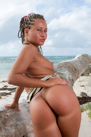 Kathy Campbel Sandra Ass fucking Honeymoon In The Tropics